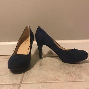 •Marc Fisher •velvet blue pumps •size 10